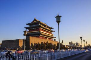 Zhengyang Gate Tower,Beijing, Chinaの写真素材 [FYI02354014]