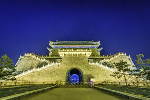 Zhengyang Gate Tower,Beijing, Chinaの写真素材 [FYI02354041]