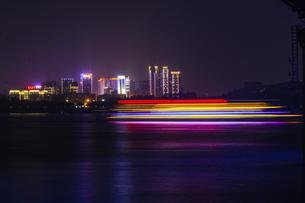 Yangtze River nightscapeの写真素材 [FYI02354052]