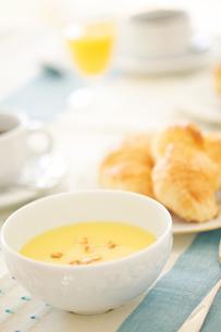 スープのある食事の写真素材 [FYI02354265]