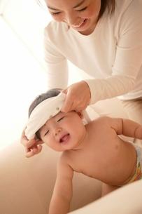 母と赤ちゃんの写真素材 [FYI02354341]