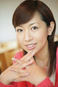 女性の顔の写真素材 [FYI02354549]