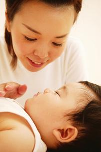 ママと赤ちゃんの写真素材 [FYI02355030]
