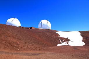 ハワイ島 マウナ・ケア山頂天文台群の写真素材 [FYI02355286]