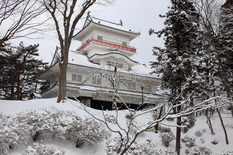 雪の久保田城御隅櫓の写真素材 [FYI02355468]