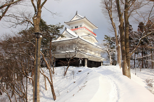雪の久保田城御隅櫓の写真素材 [FYI02355649]