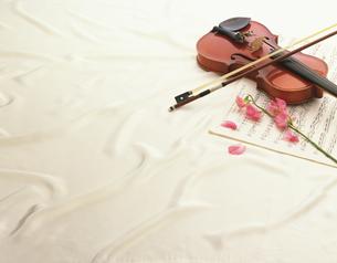 バイオリンの写真素材 [FYI02356027]