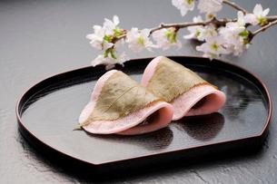 桜餅の写真素材 [FYI02356053]