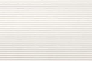 白いカラー段ボールの写真素材 [FYI02356361]