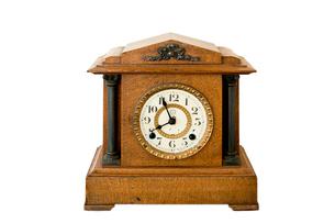 白バックの古い置き時計の写真素材 [FYI02356658]