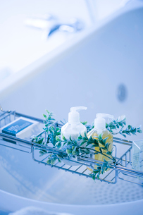 浴槽とシャンプーの写真素材 [FYI02356745]