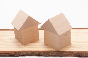 白バックの積み木の家の写真素材 [FYI02356913]