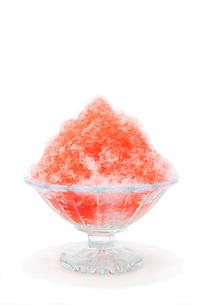 イチゴのかき氷の写真素材 [FYI02357088]