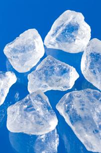 ブルーバックの氷の写真素材 [FYI02357093]