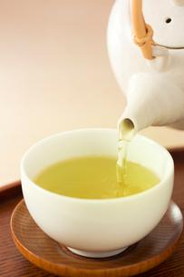 煎茶と急須の写真素材 [FYI02357837]