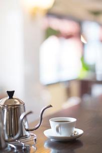 ポットとコーヒーカップの写真素材 [FYI02357903]