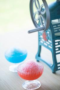 かき氷とかき氷機の写真素材 [FYI02357955]