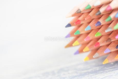 束になった色鉛筆の写真素材 [FYI02358400]