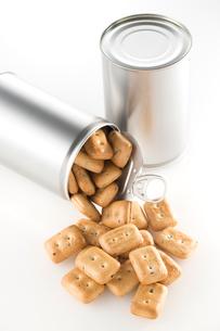 缶詰の乾パンの写真素材 [FYI02358695]