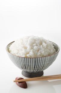 ご飯と箸の写真素材 [FYI02358800]