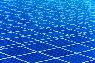 ソーラーパネルの写真素材 [FYI02358934]