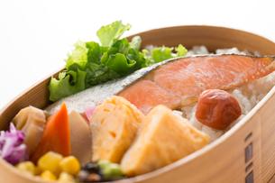 鮭弁当の写真素材 [FYI02358966]