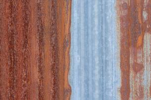 錆びたトタン板の写真素材 [FYI02359280]