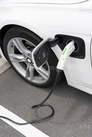 電気自動車の充電の写真素材 [FYI02359354]