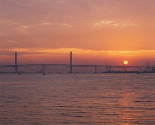 横浜ベイブリッジの写真素材 [FYI02361538]