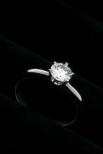 指輪の写真素材 [FYI02371146]