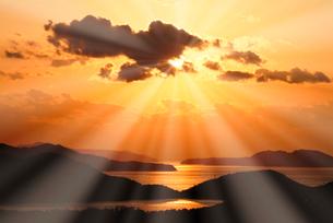 英虞湾の夕日の写真素材 [FYI02373533]