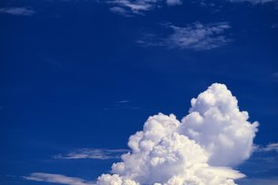 青空と入道雲の写真素材 [FYI02380059]