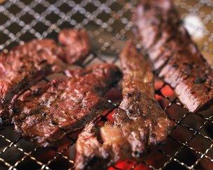 焼き肉イメージの写真素材 [FYI02381327]