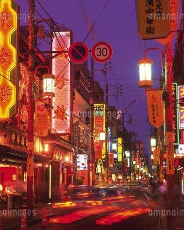 横浜中華街のネオンの写真素材 [FYI02383746]
