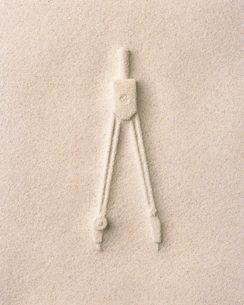 砂のコンパスの写真素材 [FYI02390877]