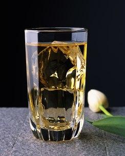 ウィスキー水割りの写真素材 [FYI02395454]