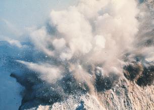 ダイナマイトの爆発の写真素材 [FYI02398182]