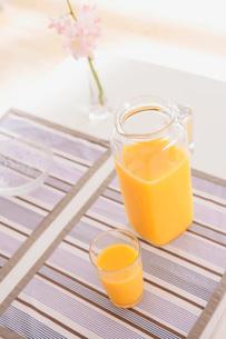 オレンジジュースの写真素材 [FYI02398413]