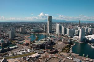 横浜市 みなとみらい ランドマークタワー周辺の写真素材 [FYI02399342]