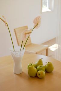 花と果物の写真素材 [FYI02399349]