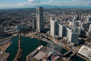 横浜市 みなとみらい ランドマークタワー周辺の写真素材 [FYI02399396]
