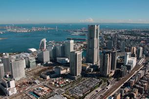 横浜市 みなとみらい ランドマークタワー周辺の写真素材 [FYI02399703]