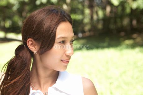 髪の長い女性の写真素材 [FYI02400080]