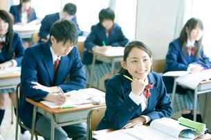 授業中の高校生の写真素材 [FYI02400222]
