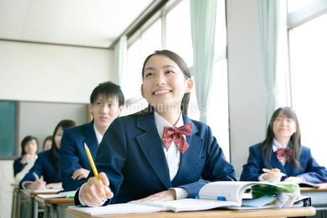 授業中の高校生の写真素材 [FYI02400345]