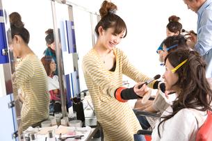 美容系の専門学生の写真素材 [FYI02400407]