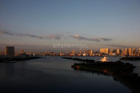 お台場から望む品川の写真素材 [FYI02419092]