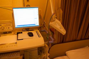 心電図測定室の写真素材 [FYI02423356]