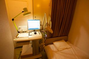 心電図測定室の写真素材 [FYI02423906]