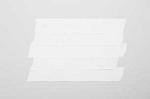 並べて貼った白いテープのイラスト素材 [FYI02431632]